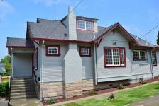 Spacious Oakland Craftsman