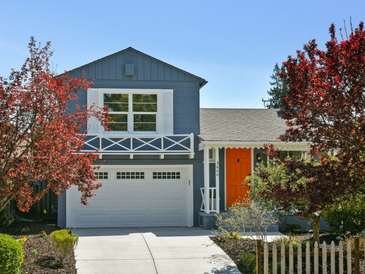 PENDING! Received 11 offers! Charming House in a Cute Neighborhood